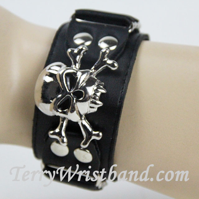 Scull Bracelet for Men front